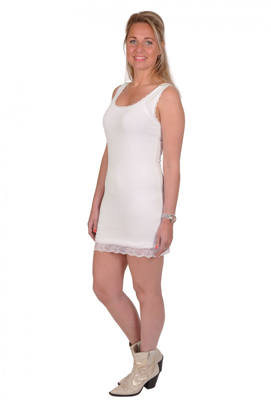 Basic onderjurkje afgezet met kant off white Italia Moda