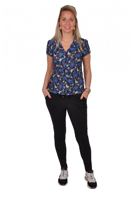 Travelstof bloemenprint blouse zwart-kobalt Triple Nine